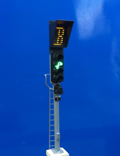 00 Gauge - 4 Aspect with Route Indicator