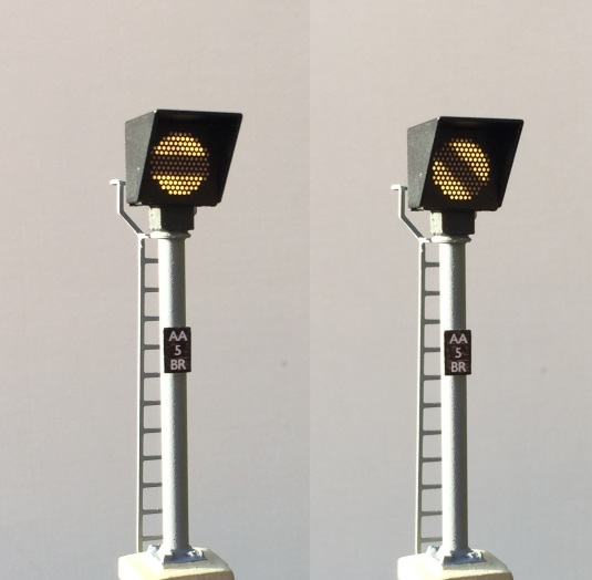 00 Gauge - Banner Repeater (Post Mounted)
